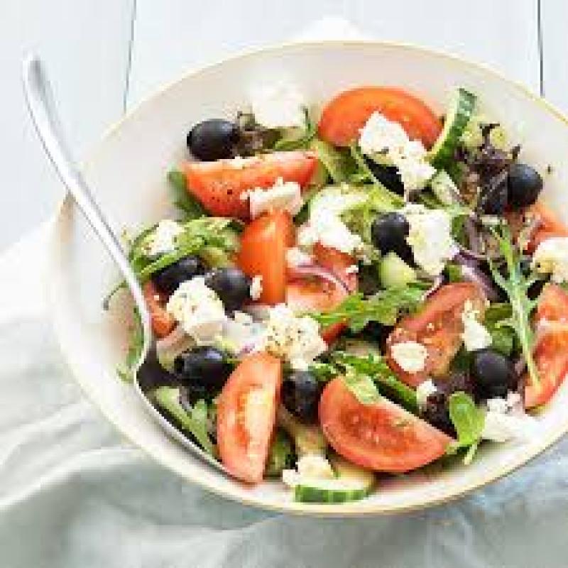 Maaltijdsalade feta inclusief broodje & botertje