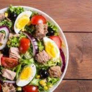 Maaltijdsalade tonijn inclusief broodje & botertje