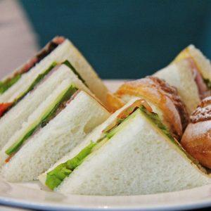 D. Mini broodjes & sandwiches, assorti, per 50 stuks