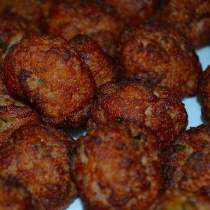 Gehaktballetjes in rode (iets pittig) saus